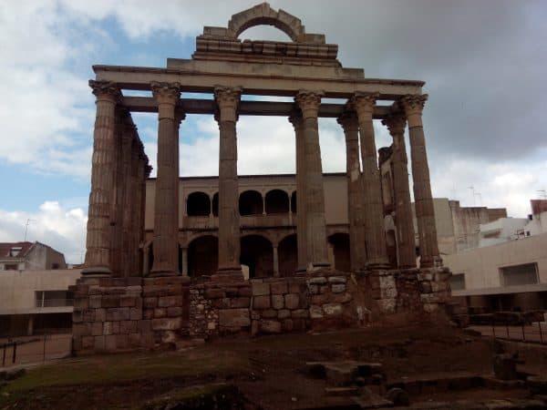 Templo de Diana de Mérida - Visitar Mérida de turismo - Ilutravel.com