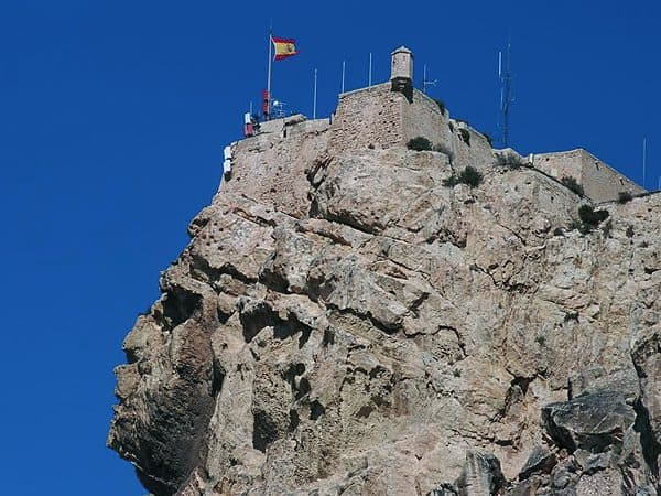 Castillo Santa Barbara Alicante - de turismo en Alicante - Ilutravel.com