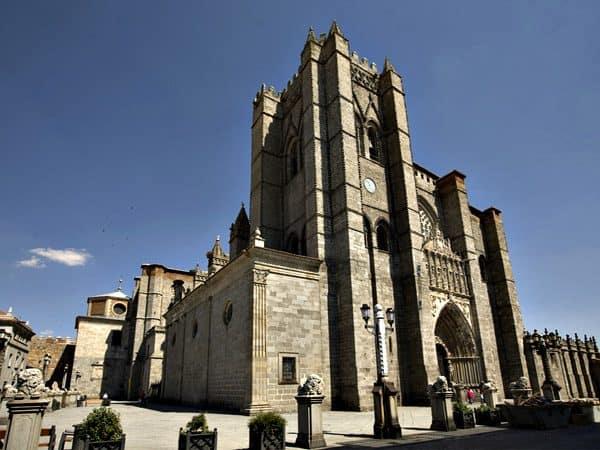 Catedral del Salvador de Ávila - lugar que visitar en Ávila - Ilutravel.com