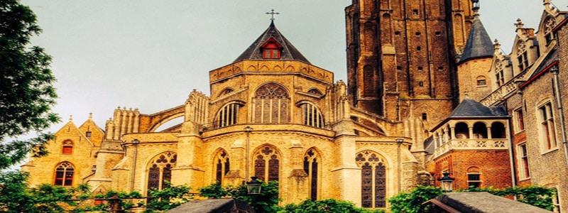 Iglesia Nuestra Señora de Brujas superior