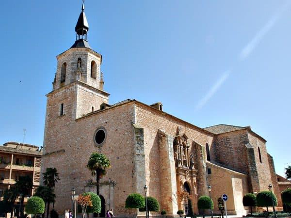 Iglesia de San Pedro Apóstol de Daimiel que ver