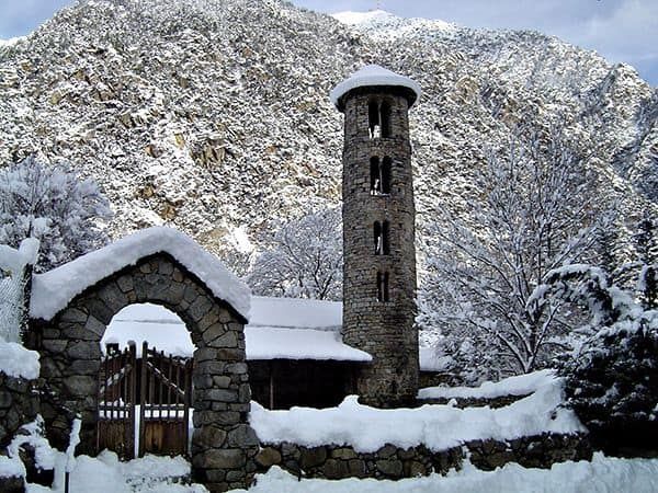 Foto Iglesia de Santa Coloma - Que ver en Andorra de turismo - Ilutravel.com