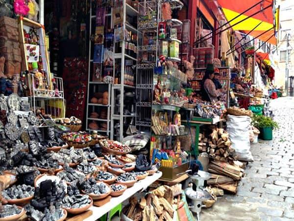Mercado de las Brujas de La Paz - Sitios que ver en La Paz en 2 días - Ilutravel.com