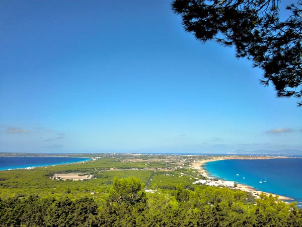 Mirador el Pilar de la Mola Formentera - Conocer Formentera de turismo - Ilutravel.com
