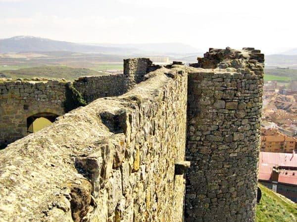 Castillo Medieval de Aguilar de Campoo - Sitios que ver en Aguilar de Campoo, conjunto histórico Artístico - Ilutravel.com