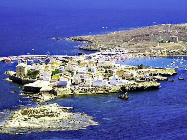 Isla de Tabarca de Alicante - Alicante en un día - Ilutravel.com