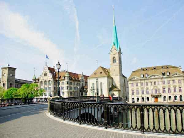 Iglesia Limmat, Fraumuenster Zurich - Visitar Zurich de turismo - Ilutravel.com