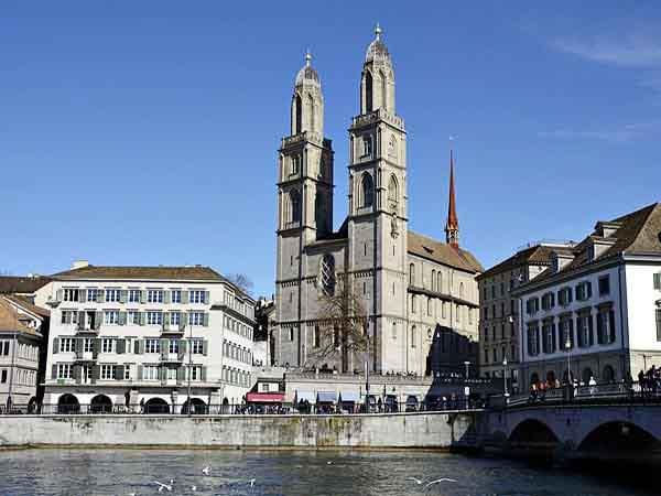 Grossmunster de Zurich - De turismo en Zurich en un día - Ilutravel.com