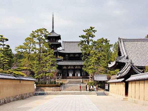 Templo Horyuji - Ver Nara en un día - Ilutravel.com
