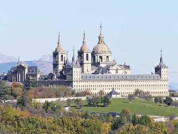 real-monasterio de san lorenzo de el escorial madrid - Ilutravel.com