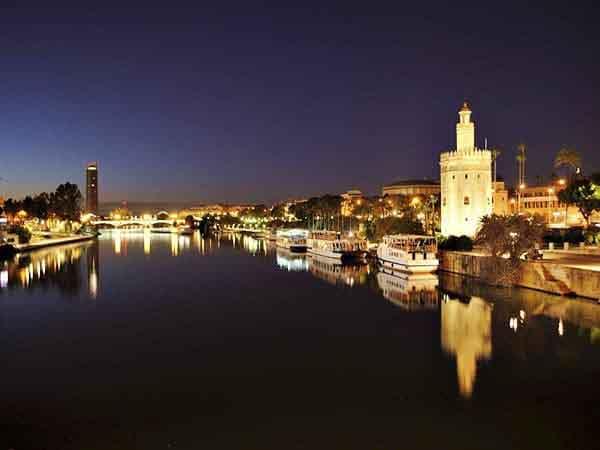 torre del oro sevilla que ver en la ciudad - Ilutravel.com