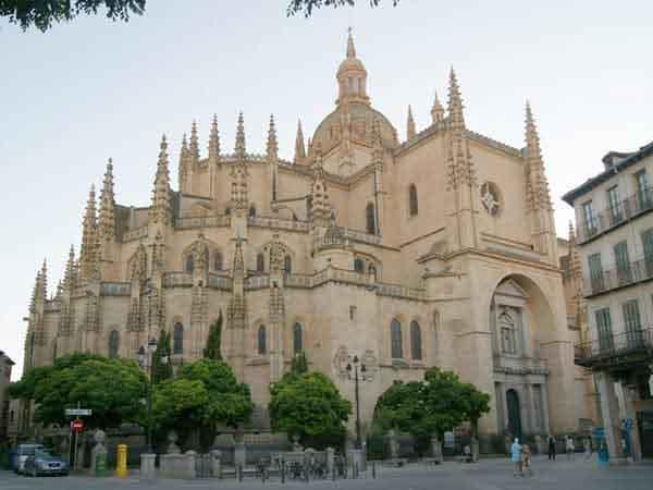 Catedral de Segovia - Sitio de interés que ver - Ilutravel.com