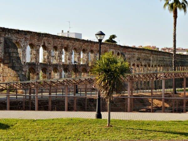 Acueducto de San Lázaro de Mérida - sitios para ver en Mérida - Ilutravel.com