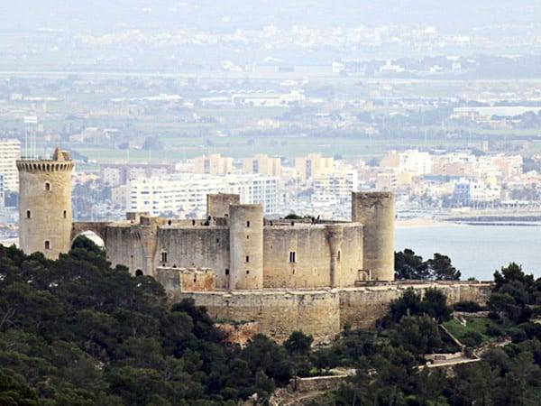Castillo de Bellver de Palma de Mallorca - Ver Mallorca en un día - Ilutravel.com
