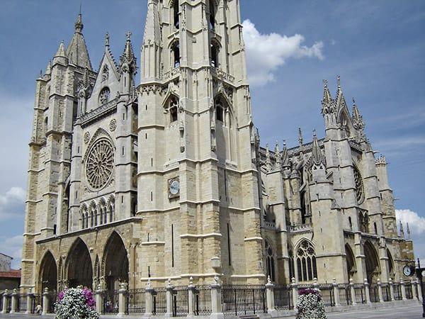 Catedral de Santa María de la Regla de León - Sitio que ver en León lugar de turismo - Ilutravel.com