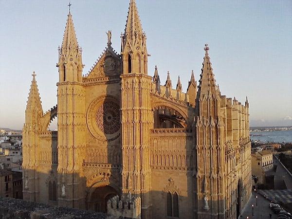 Catedral de Santa Maria de Palma de Mallorca - Ver Palma de Mallorca en un día - Ilutravel.com