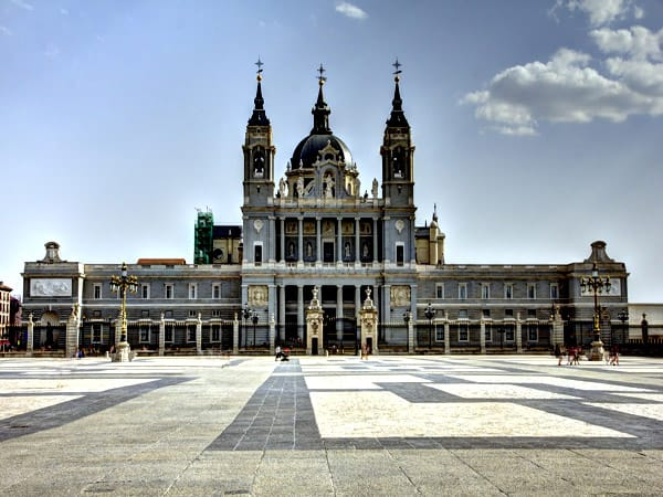 Catedral de la Almudena de Madrid - Viajar a MAdrid para 3 días - Ilutravel.com