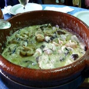 Cocochas con Almejas