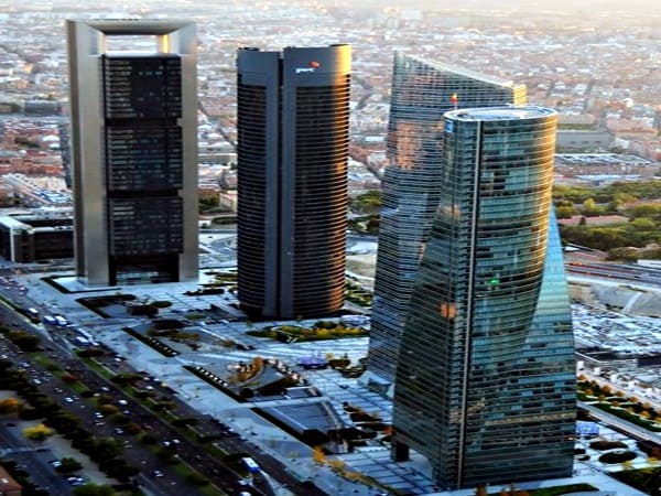 Cuatro Torres Business Area de Madrid - Ilutravel.com