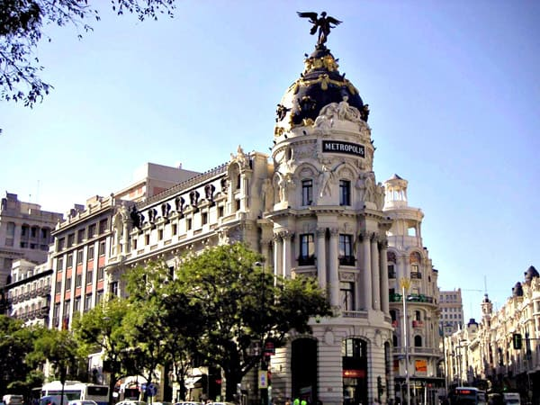 Edificio Metrópolis de Madrid - Ilutravel.com