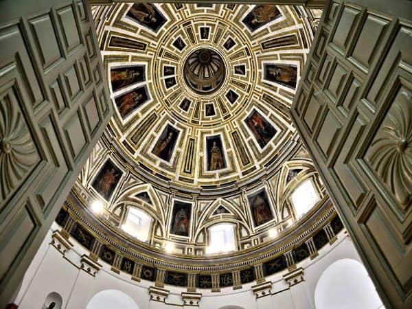 Iglesia del Santo Cristo de la Salud de Málaga - Visitar la ciudad en un 3 días - Ilutravel.com