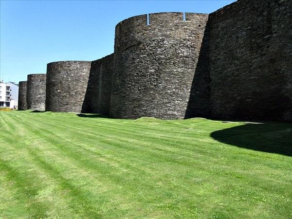Muralla Romana de Lugo - Ilutravel.com