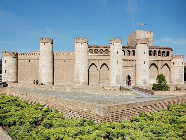 Palacio de Aljaferia de Zaragoza que ver