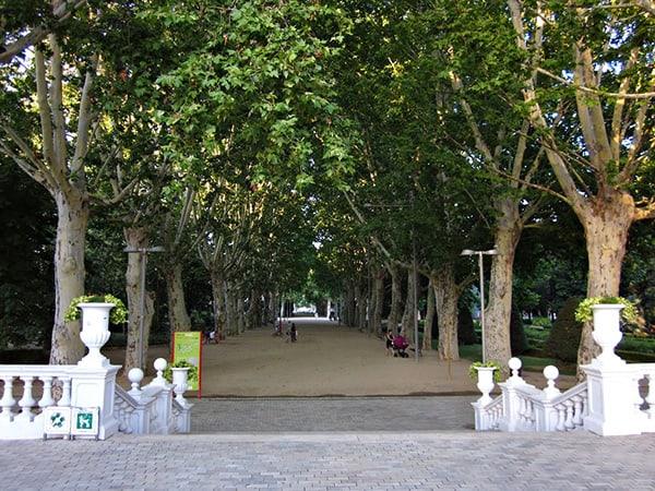 Parque Campos Eliseos de Lérida - Sitios bonitos que ver en Lleida capital - Ilutravel.com