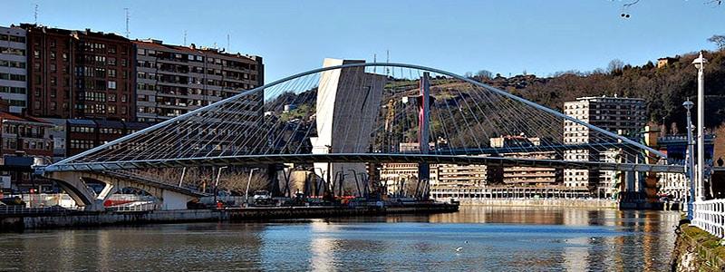 Puente de Zubizuri de Bilbao