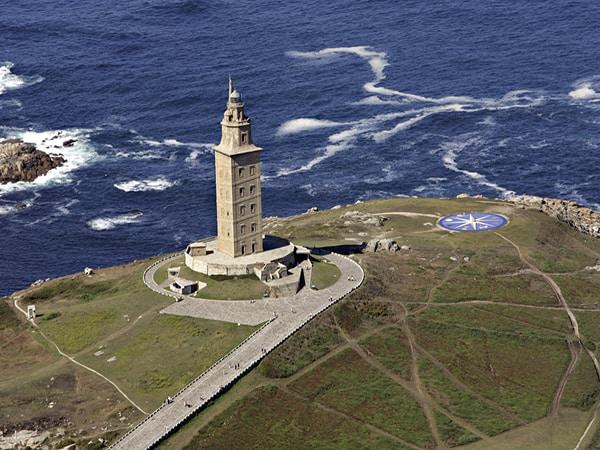 Torre de Hércules de Coruña - Ver Coruña en un día turismo viajar - Ilutravel.com