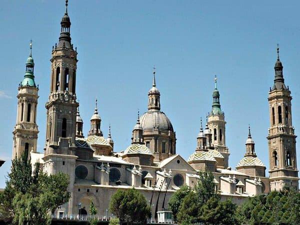 Catedral de Nuestra Señora del Pilar de Zaragoza - Ver Zaragoza qué hacer - Ilutravel.com