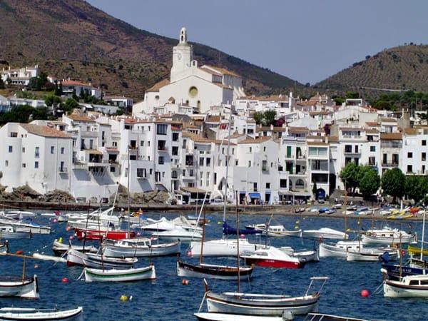 Puerto de Cadaques - Qué ver en Cadaqués en un día - Ilutravel.com