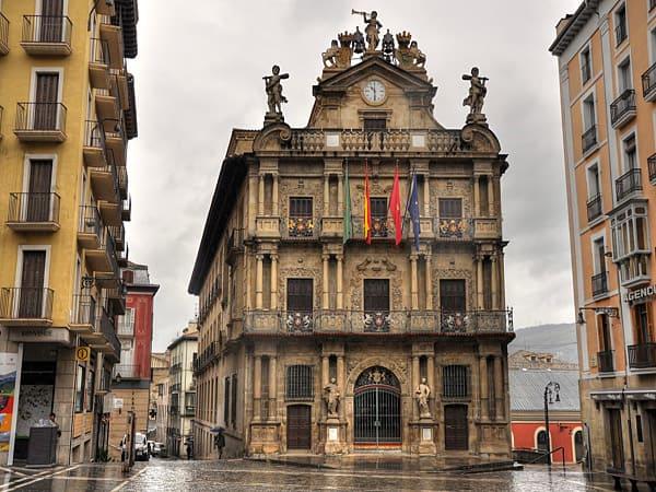 Ayuntamiento de Pamplona - Pamplona en un día - Ilutravel.com