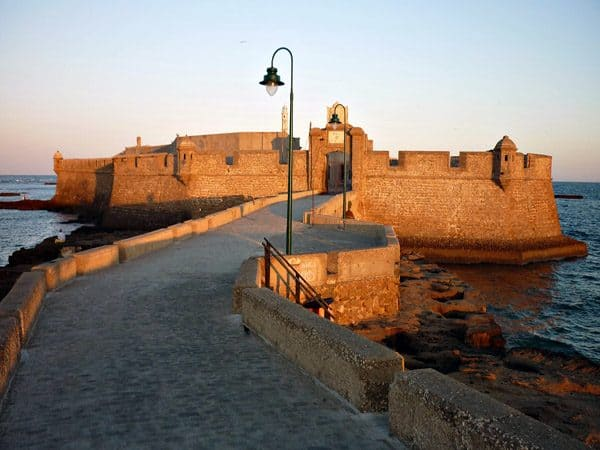 Castillo de San Sebastián de Cádiz - Lugares que ver en un día - Ilutravel.com