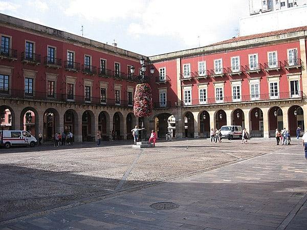 Plaza Mayor de Gijón - Ver Oviedo de turismo - Ilutravel.com