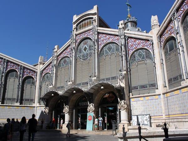 Mercado Central de Valencia - Sitios que visitar en Valencia en 3 días - Ilutravel.com