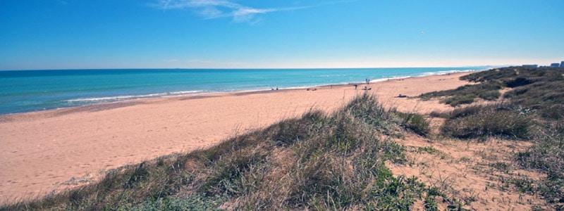 Playa de la Garrofera de Valencia - lugares que ver en Valencia Playas -Ilutravel.com