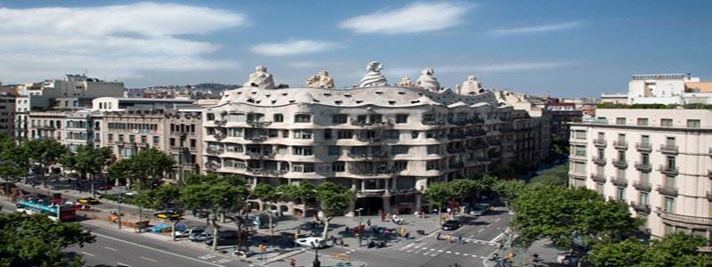 Casa Milá -La Pedrera de Barcelona - Qué ver en Barcelona todo lo que ver 3 días - Ilutravel.com