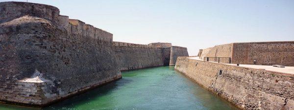Conjunto Monumental de las Murallas Reales