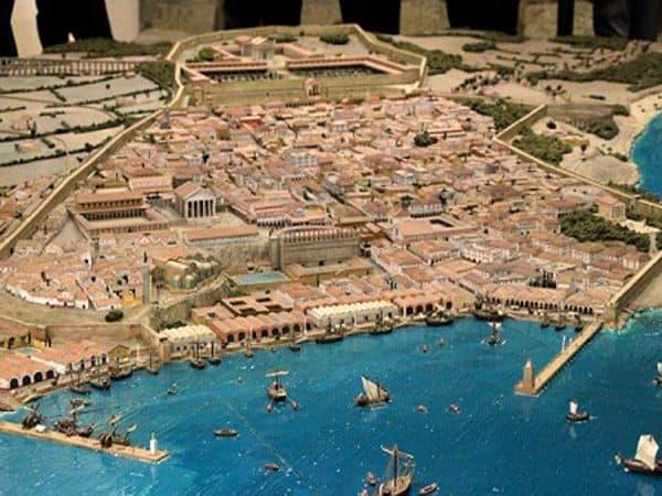 Maqueta de Tarraco - Tarragona en un día de turismo - Ilutravel.com