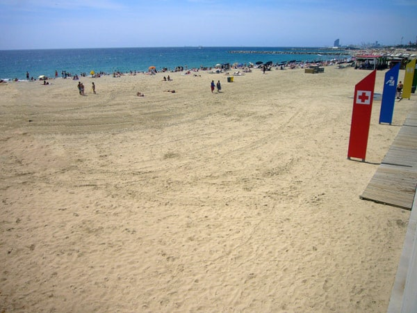 Playa Llevant de Barcelona - Mejores playas de Barcelona capital - Ilutravel.com