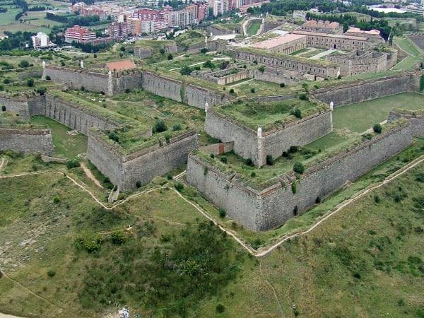 Castillo de San Fernando Sant Ferran Figueres - Ilutravel.com