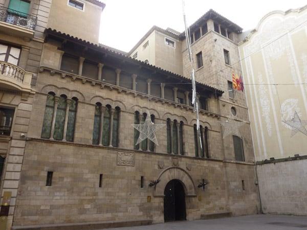 Palacio de la Paeria lugar que visitar en Lleida - Ilutravel.com