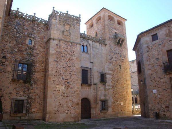 Palacio de los Golfines de Abajo de Cáceres