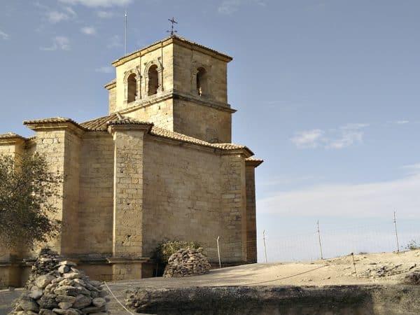 Foto Superior Iglesia de la Villa Montefrío Castillo - Turismo Montefrío en un día - Ilutravel.com