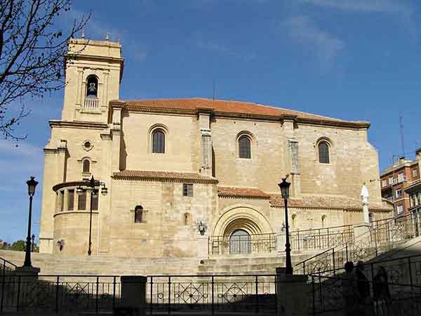 Catedral de San Juan Bautista de Albacete - Albacete en un día - Ilutravel.com
