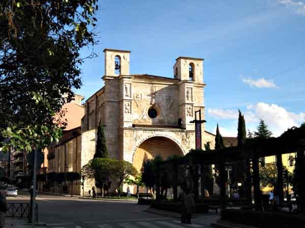 Iglesia de San Ginés en Guadalajara - ilutravel.com