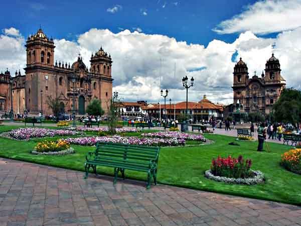 Plaza de Armas de Cuzco - Ver Cuzco haciendo turismo 2 días - Ilutravel.com