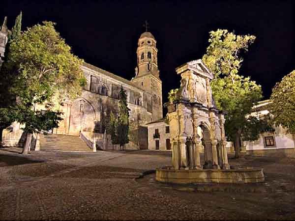 Lugar que ver en Baeza la Catedral de la Natividad – Ilutravel.com -Tu guía de turismo online