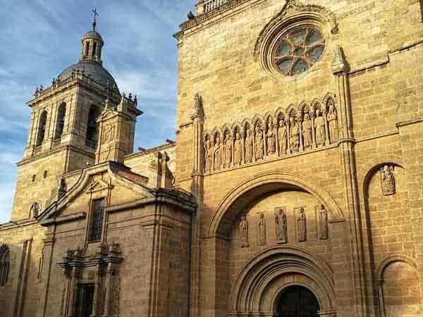 Catedral Ciudad Rodrigo - Lugares de interés que visitar en Ciudad Rodrigo - Ilutravel
